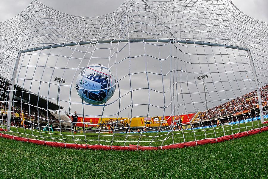 © 2016 Mario Taddeo (scatto con camera remote goal di Ciciretti in Benevento Calcio 1929 vs Hellas Verona)