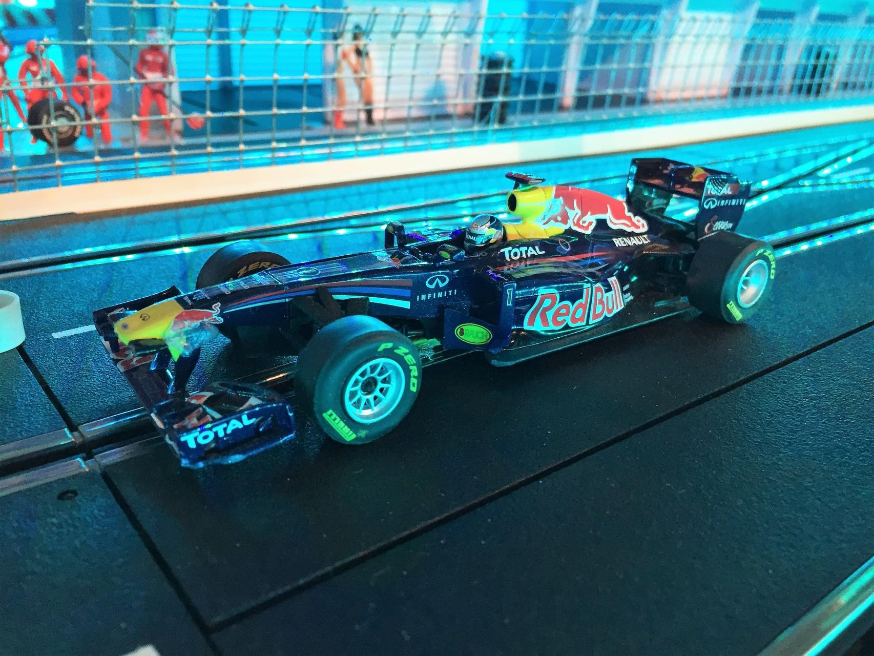 Redbull RB 7  ( Vettel )