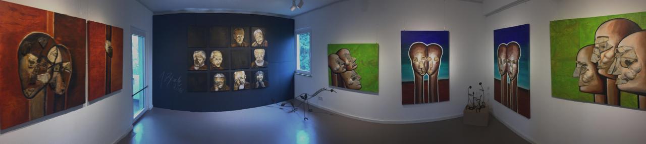 """Raum 1 Ausstellung """"Erdwächter"""" von J.H. BLOCK"""