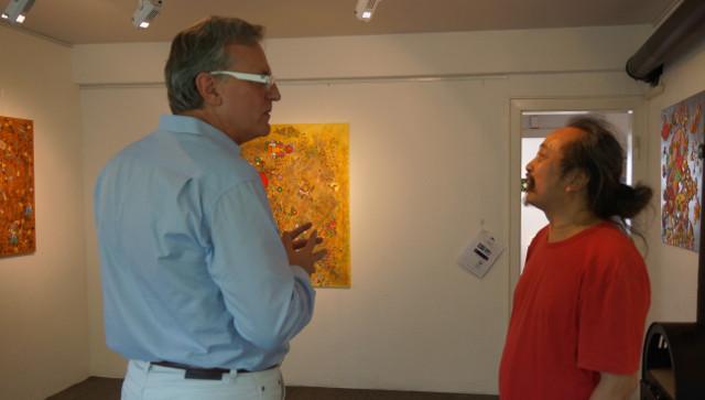 Abschlußgespräch zwischen dem Galeristen Dirk Palder un dem Ausstellungskünstler Daniel Kho