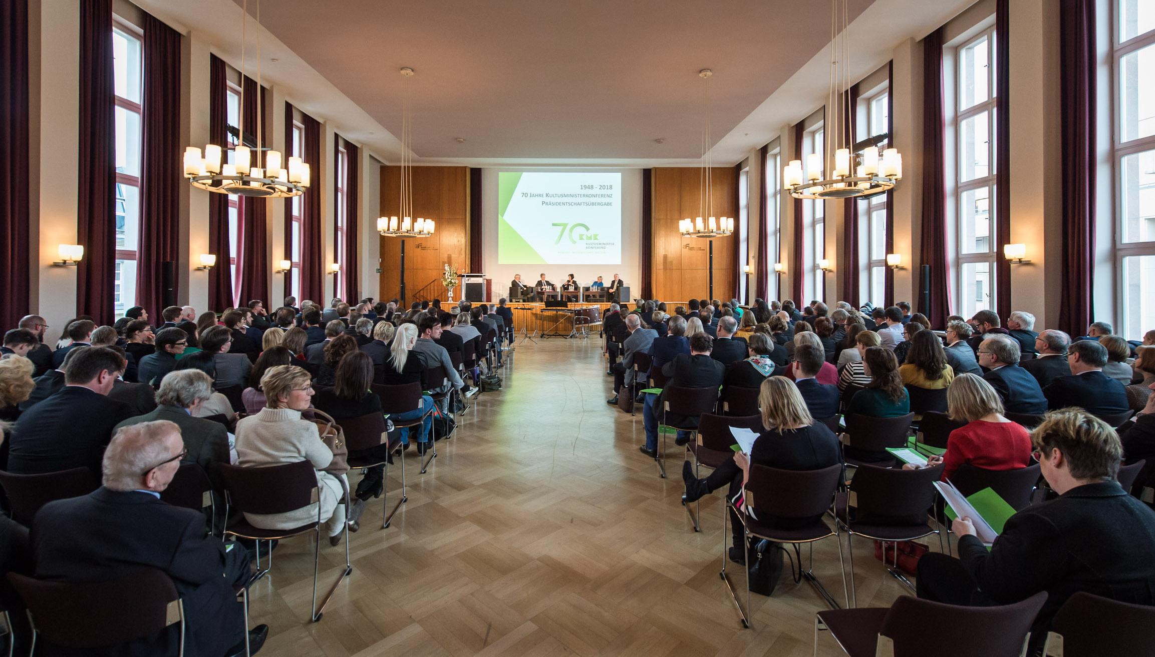 Festveranstaltung zu 70 Jahren Kultusministerkonferenz im Januar in Berlin. Foto: Ralf Rühmeier