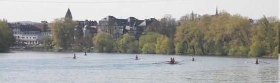 Blick von unserem  Bootshaus nach Höchst