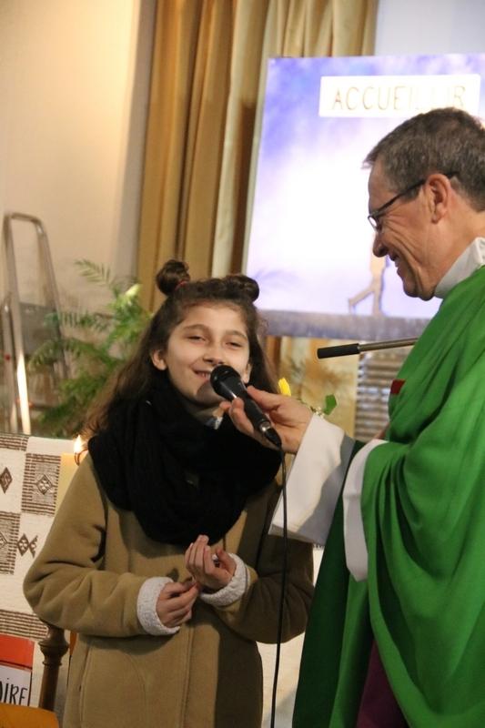 Alessia, 12 ans, albanaise, raconte comment ses parents ont fui l'Albanie