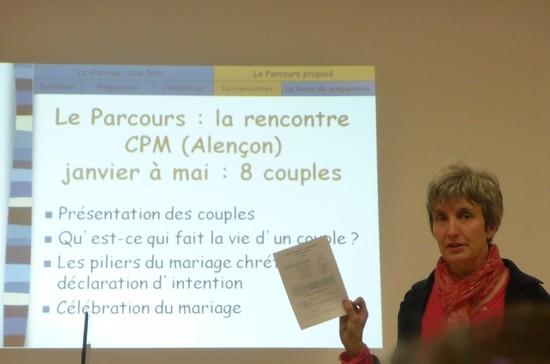 Emmanuelle présente la marche à suivre pour un mariage réussi !