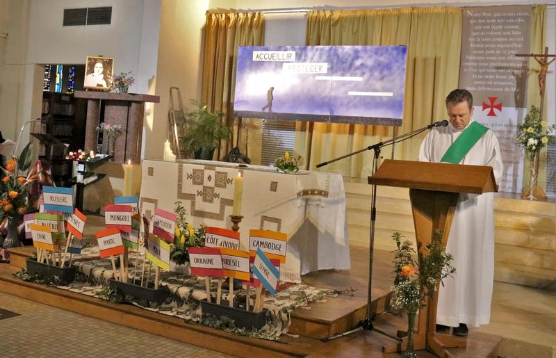 Vianney Lecointre, le dernier ordonné diacre du diocèse proclame l'Evangile