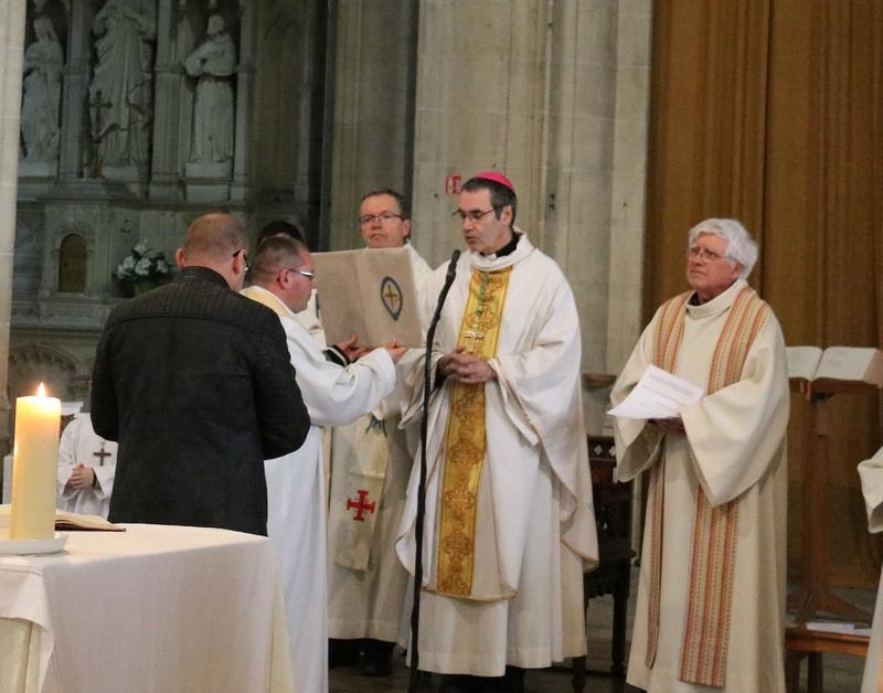 Joseph est appelé par l'évêque