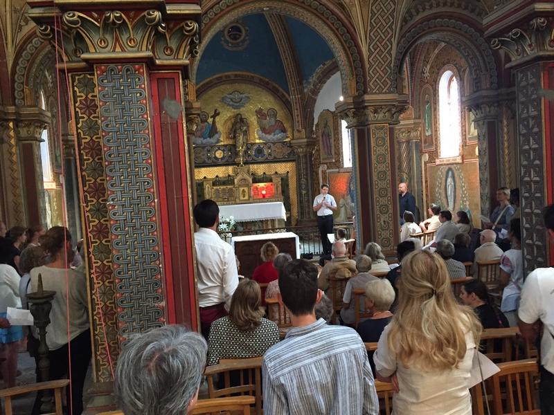Étape dans l'église Saint Pierre de Montsort