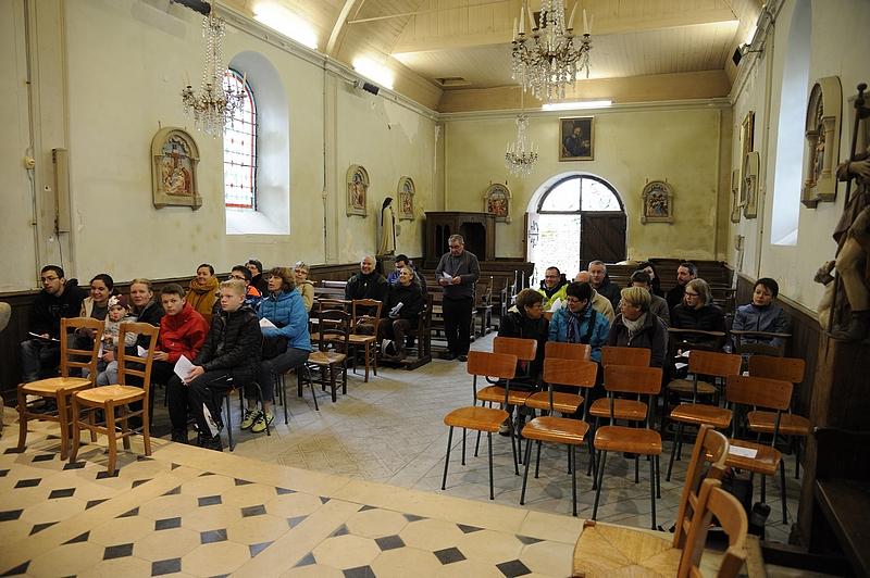 A l'église de Cuissai