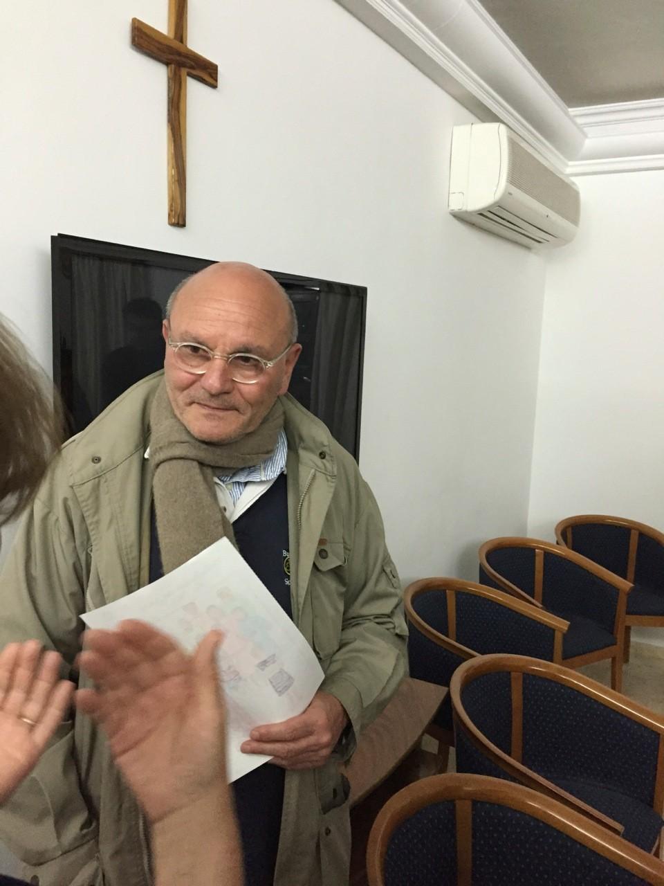 Nous avons eu une conférence passionnante du P. Luc Pareydt, s.j., Conseiller pour les affaires religieuses » au Consulat général de France à Jérusalem