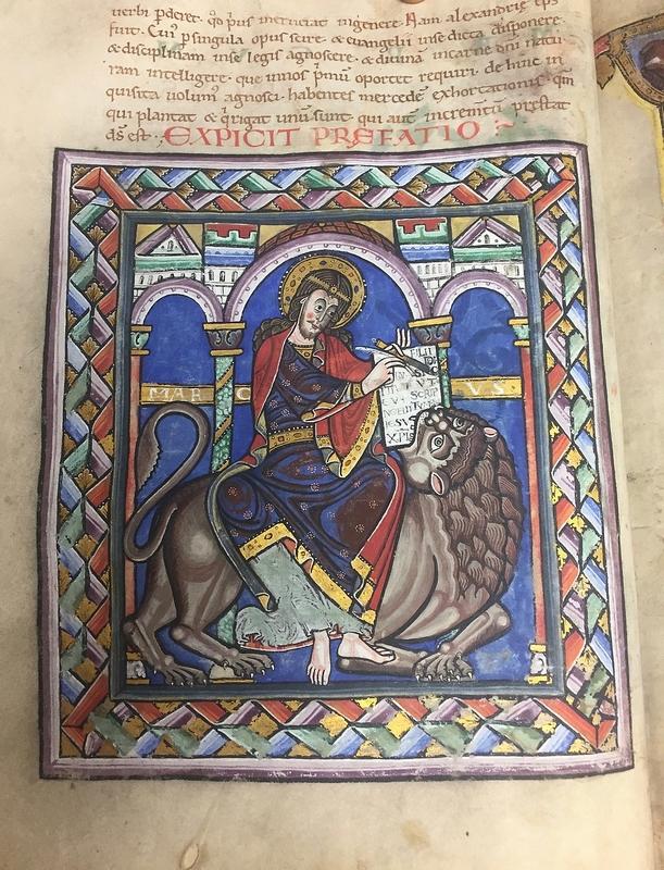En particulier l'enluminure très belle qui illustre le début de l'évangile selon saint Marc, l'évangile de l'année.