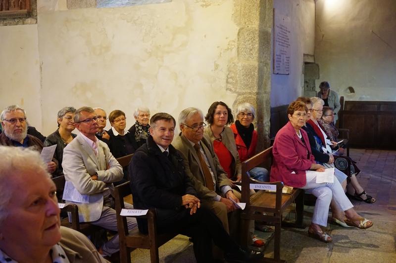 """Parmi les """"officiels"""", Joaquim Pueyo, député, Michel Julien, maire de St Denis, Sophie Douvry, conseillère départementale et Servanne Desmoulins-Hémery"""