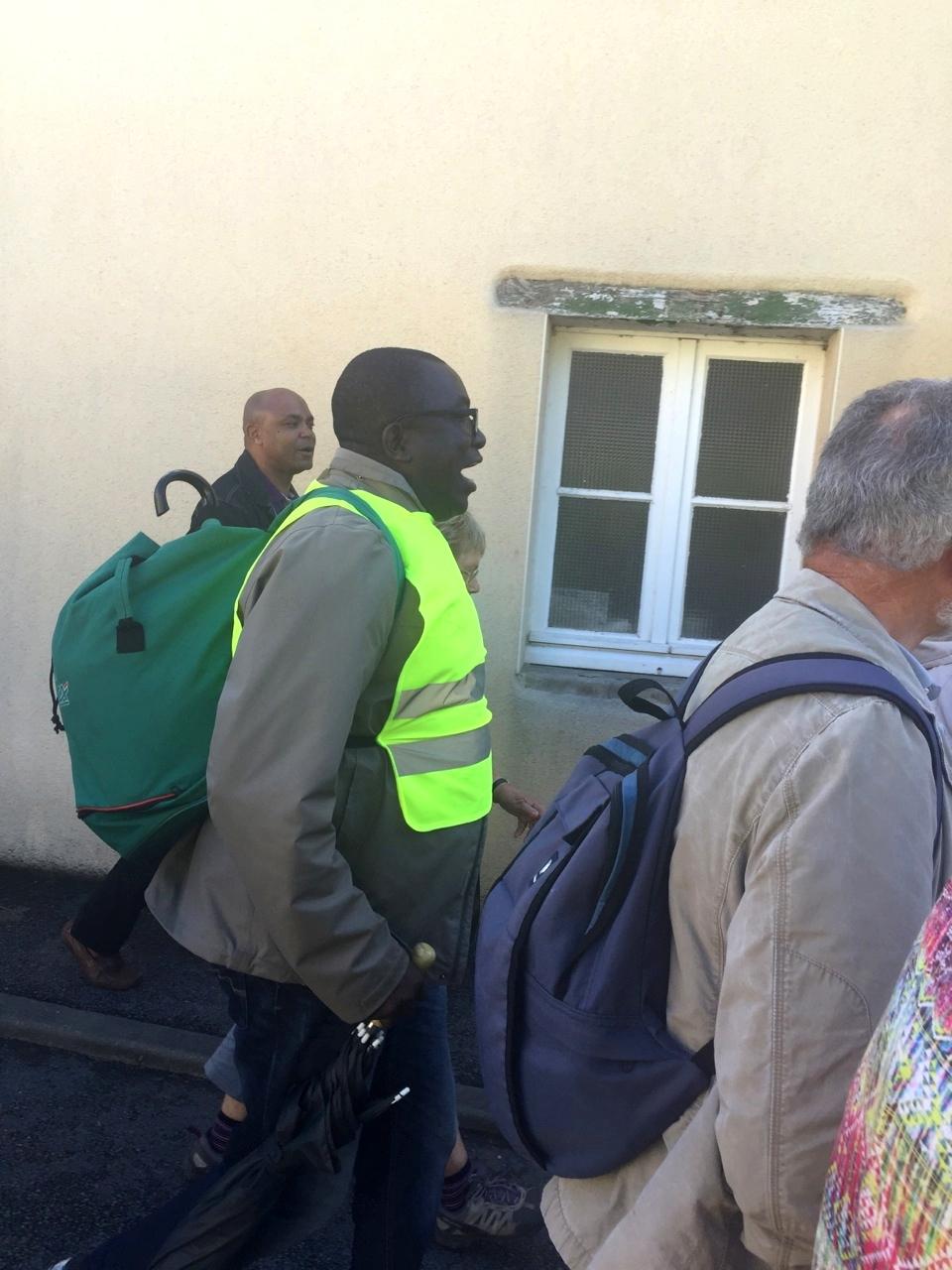 Les chants africains sont bienvenus pour encourager la marche !