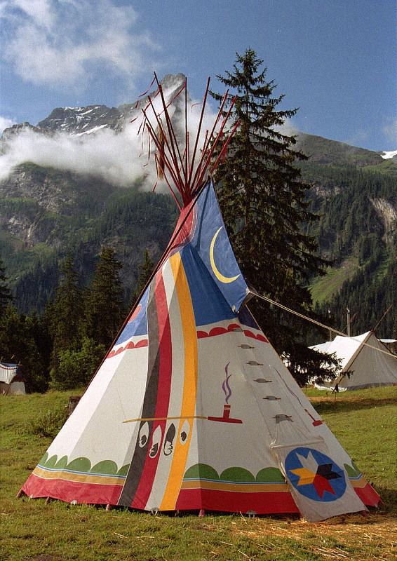 Völker-Tipi 1990