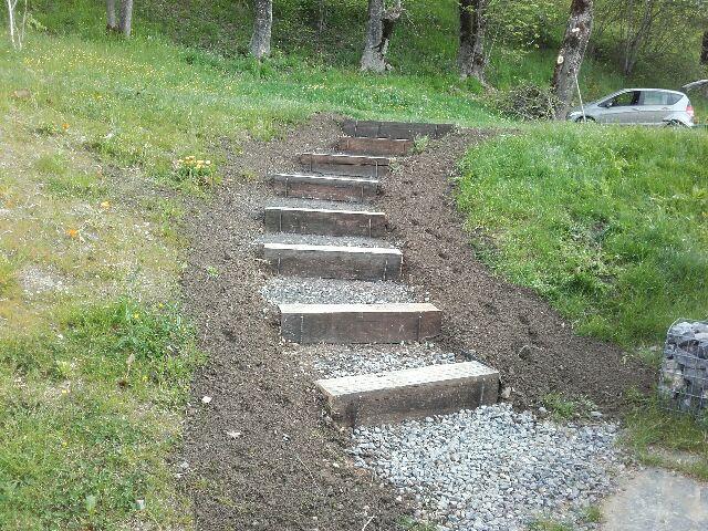 Réalisation d'escalier en bois ou dalles de schistes (APRES)