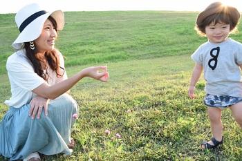 (母子健康手帳の活用方法を解説)