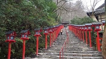 (日本全国の神社で安産祈願は行える)