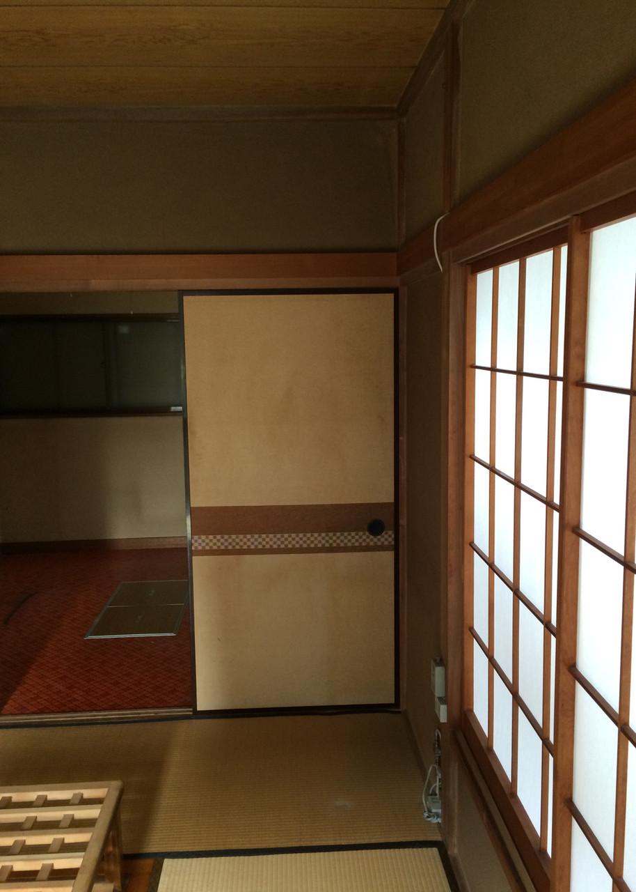 襖の裏が既存のキッチン