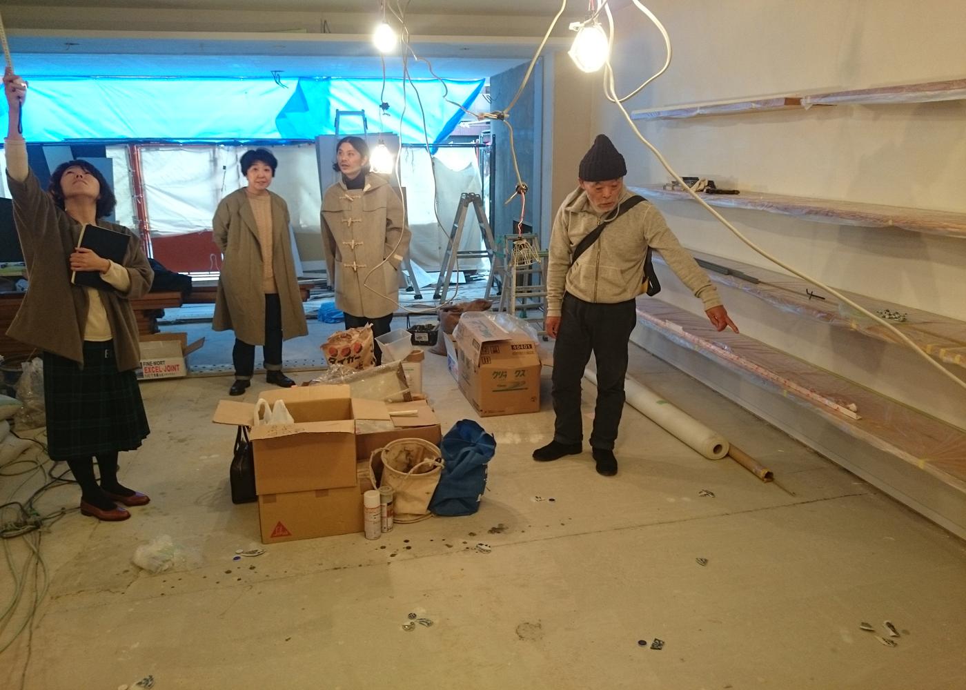 フィルメランジェ店舗こだわりの素材施工確認。ほぼ古材を使用しています。