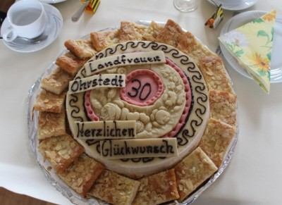 Eine Geburtstagstorte von Arthur Kreutzfeld ...