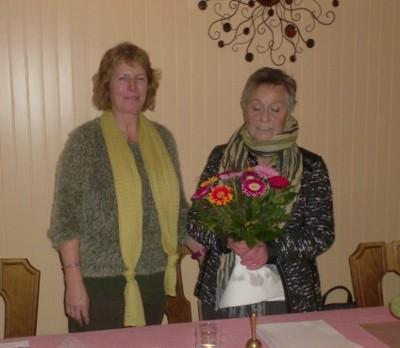 Blumen für die Vorsitzende