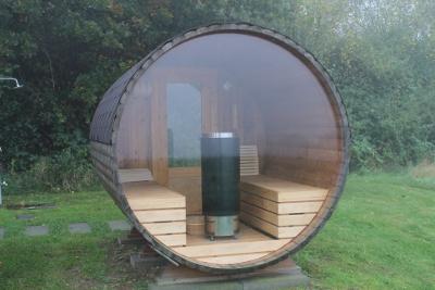 Fass-Sauna mit Aussicht