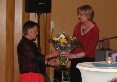 Margret  Albrecht vom Landfrauenverein Nordfriesland (rechts)