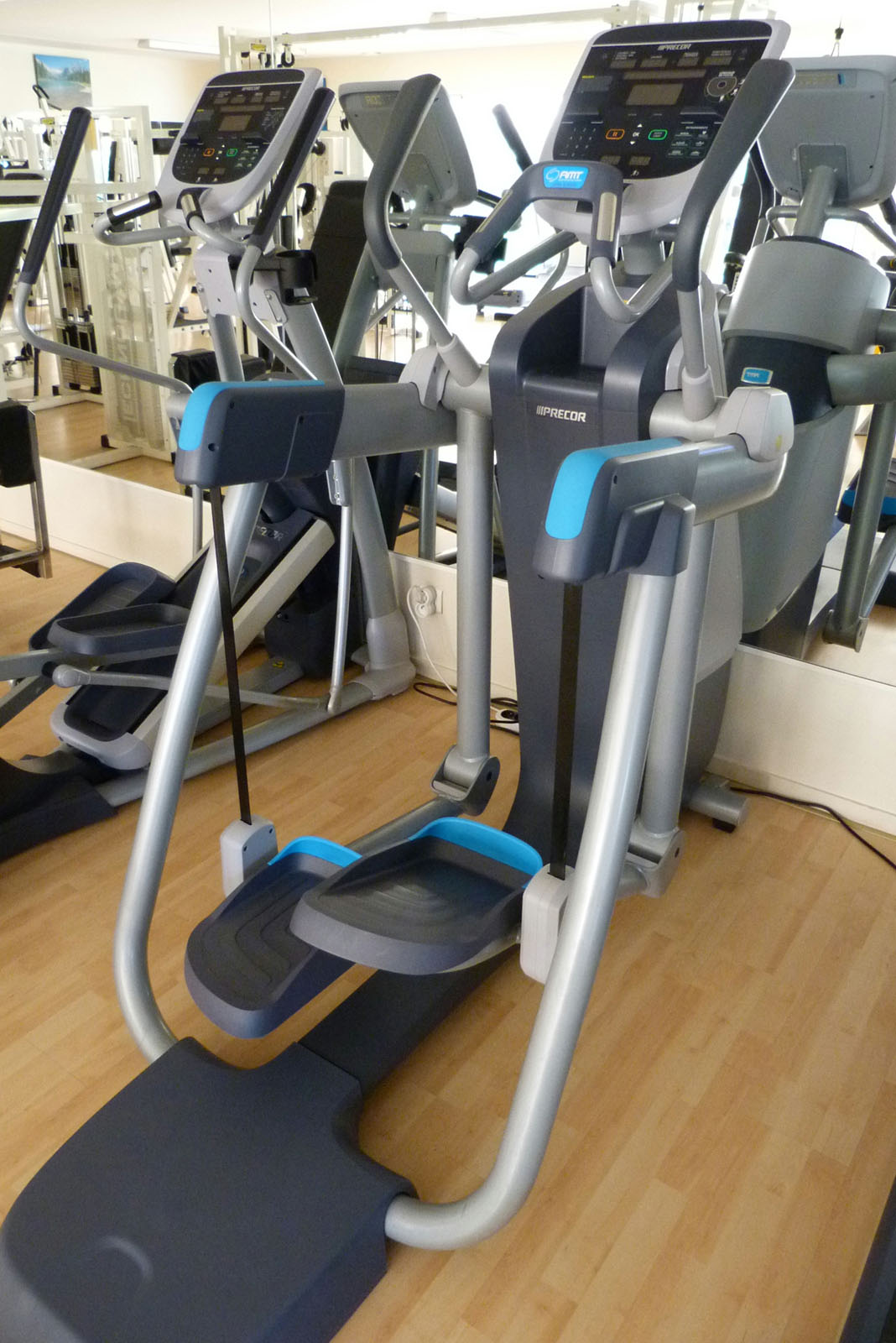 salle de sport bergerac Adaptive Motion Trainer AMT 835 Open Stride Precor 1