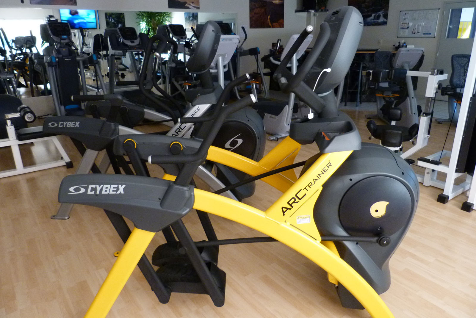 Salle de sport Bergerac Arc Trainer Lower Body 770A Cybex 1
