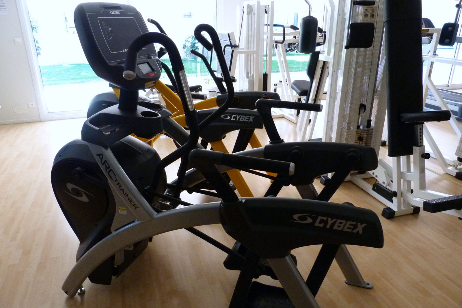 Salle de sport Bergerac Arc Trainer Total Body 770AT Cybex 1