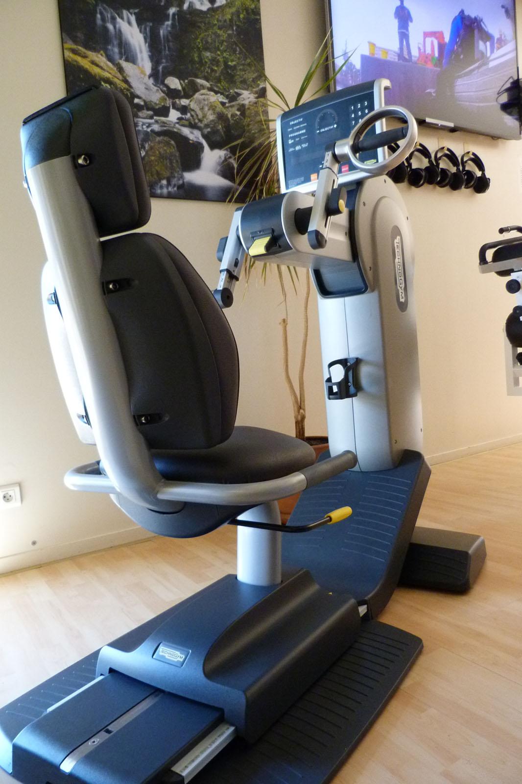 Salle de sport Bergerac Vélo à bras Excite Top Technogym 1