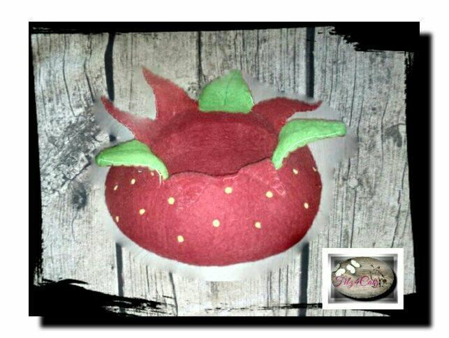 Erdbeer-Filzhöhle