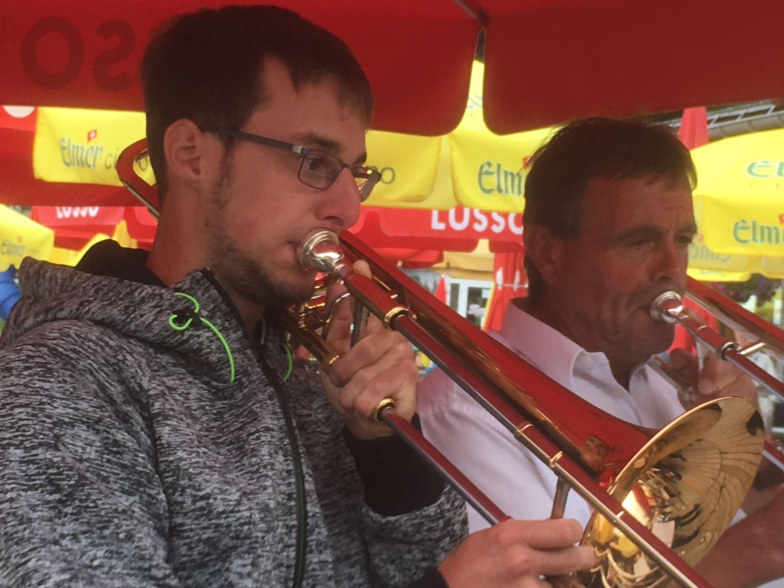 Der Posauner links hat sogar noch die Jugendmusik vertreten