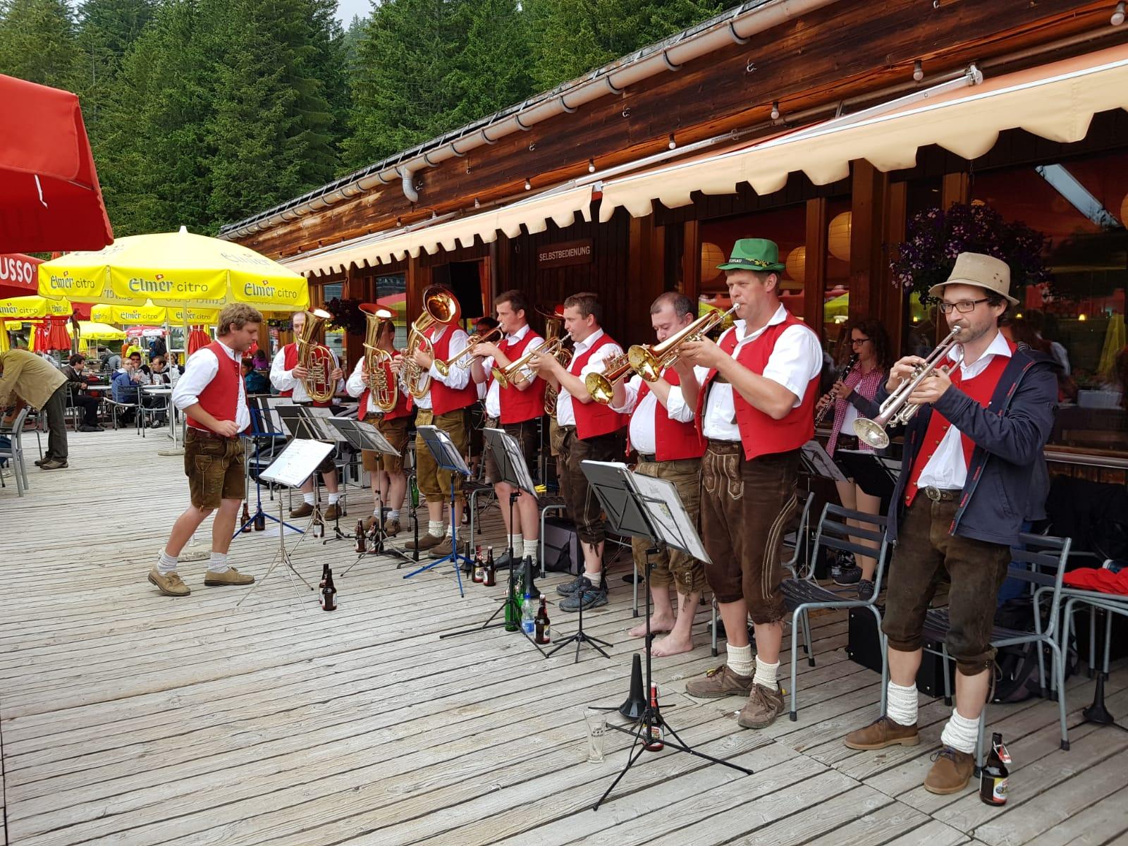 sie spielten vor allem feinste Blasmusik im böhmischen Stil