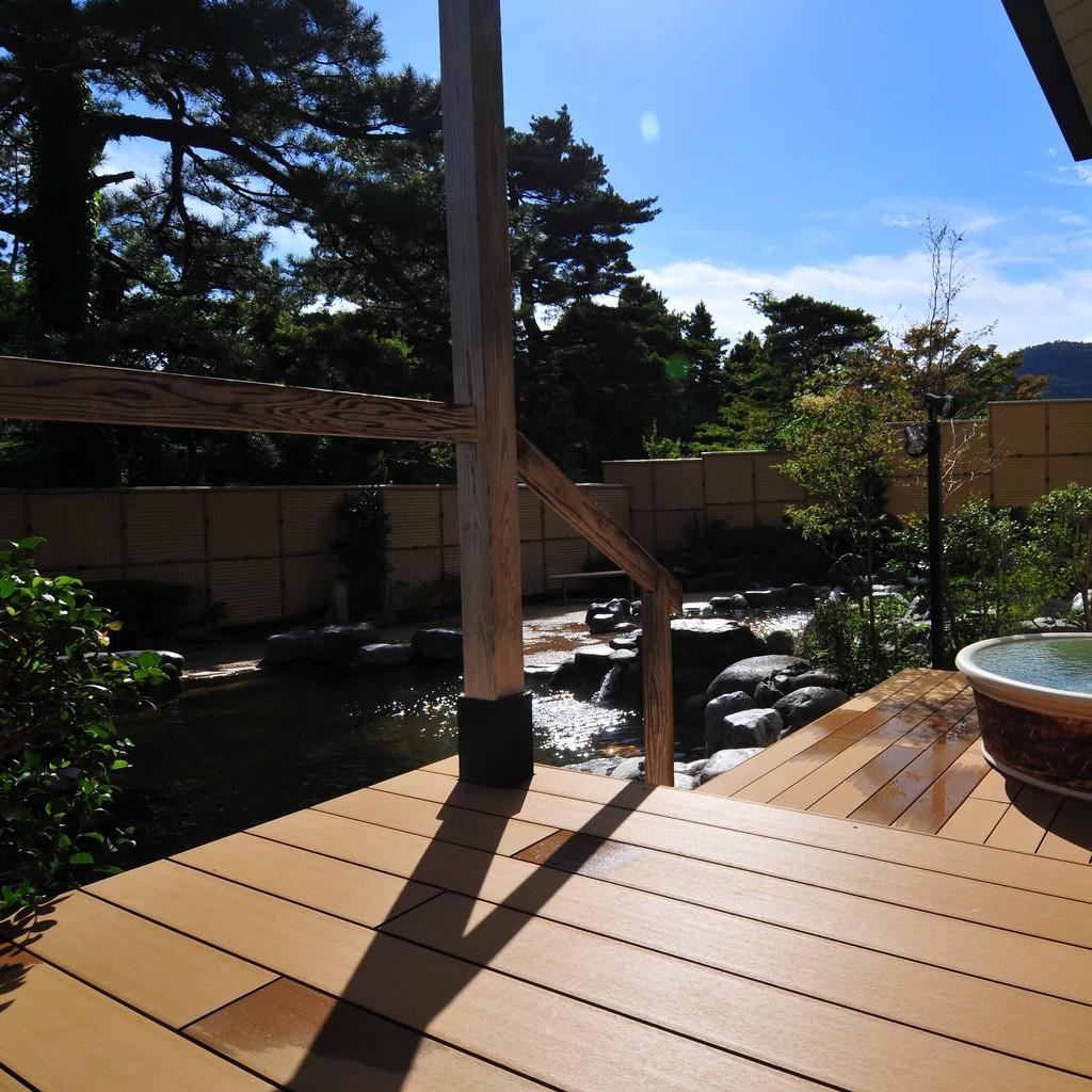 某温泉施設(再生木デッキ)3
