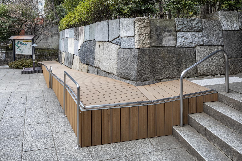 乃木神社[種村強建築設計](アースデッキソリッドグレイン・オークブラウン)2