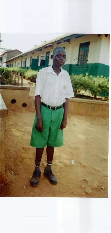 Taban is opgeleid tot automonteur en werkt in Sudan