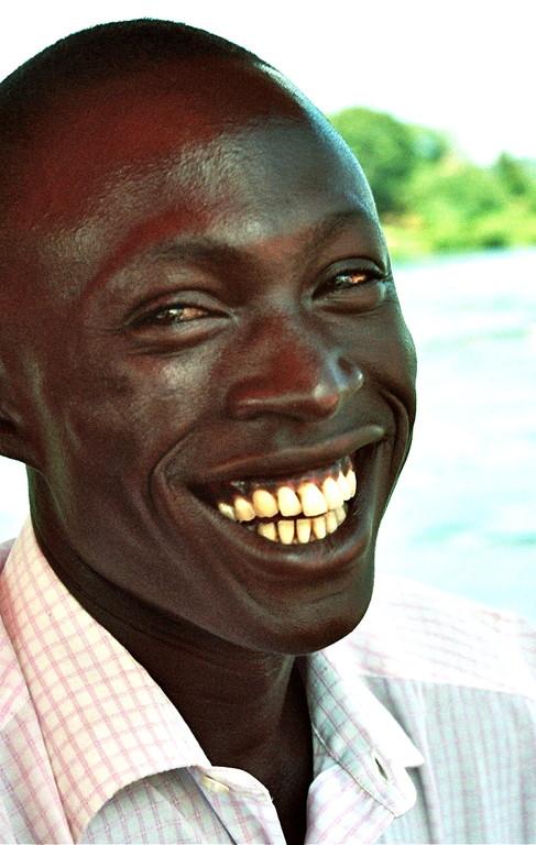 Elias Muzeyi is na 2 jaar engels voor volwassenen als onze manager in Uganda gaan werken