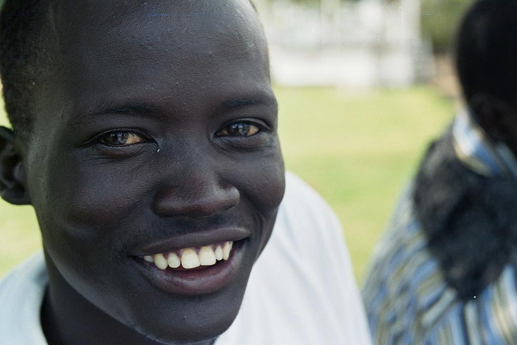 Chol Manyuon heeft het UCE certificaat (mavo/havo) behaald op het 2e niveau. Hij is terug gegaan naar Sudan.