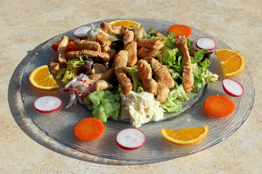 Salat mit Putestreife