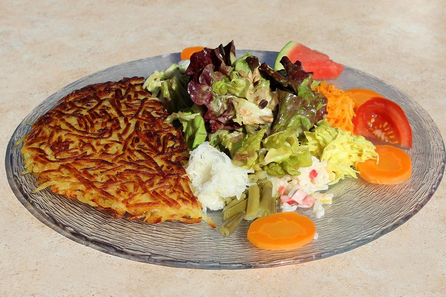 Röschti mit Salat