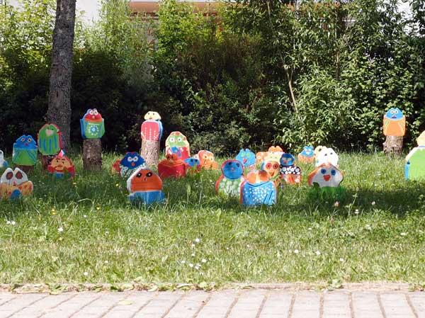 von kindern der lautertalschule gefertigte steinskulpturen