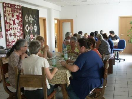 Gemeinsames Mittagessen in unserem großen Esszimmer