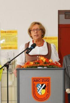 Landrätin Johanna Rumschöttel erinnerte an die interessantesten Ereignisse in 40 Jahren ABC-Zug München-Land.