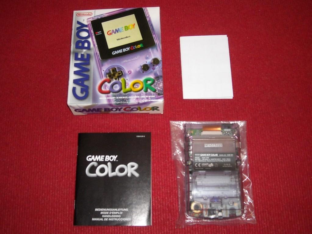 Contenido de la caja de la Game Boy Color
