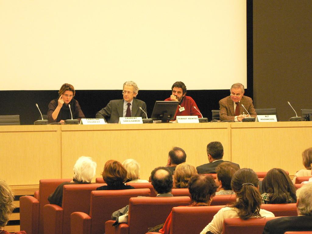 Table ronde du 8 décembre 2009 au Palais Boubon