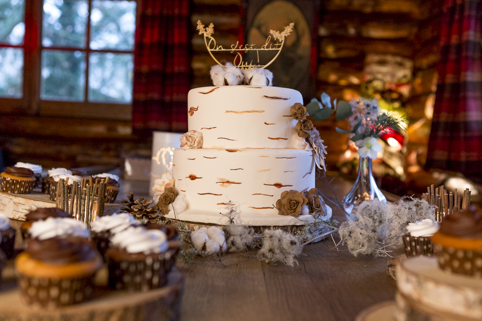 Wedding cake aux allures hivernales (Cake Design By Kelly)