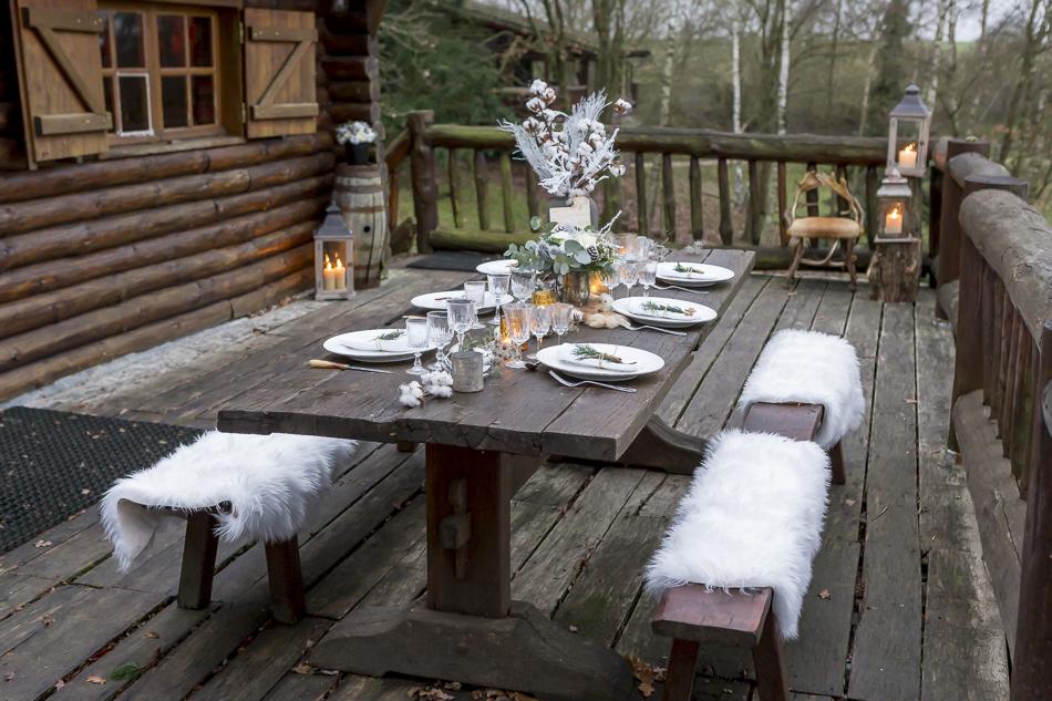 Table de mariage hivernale (Scénographie Sabrina Lannoy - Décoration florale : L'Atlelier Fleuriste)