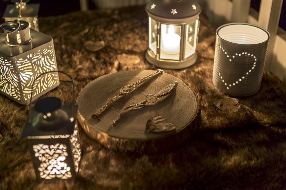 Rituel des bracelets imaginé par Sabrina Lannoy (Wedding Planner & Wedding Designer). Création des bijoux : Helene Ripoll)