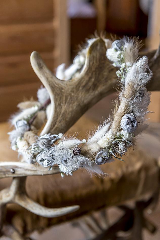 Couronne de fleurs séchées réalisée par l'Atelier Fleuriste