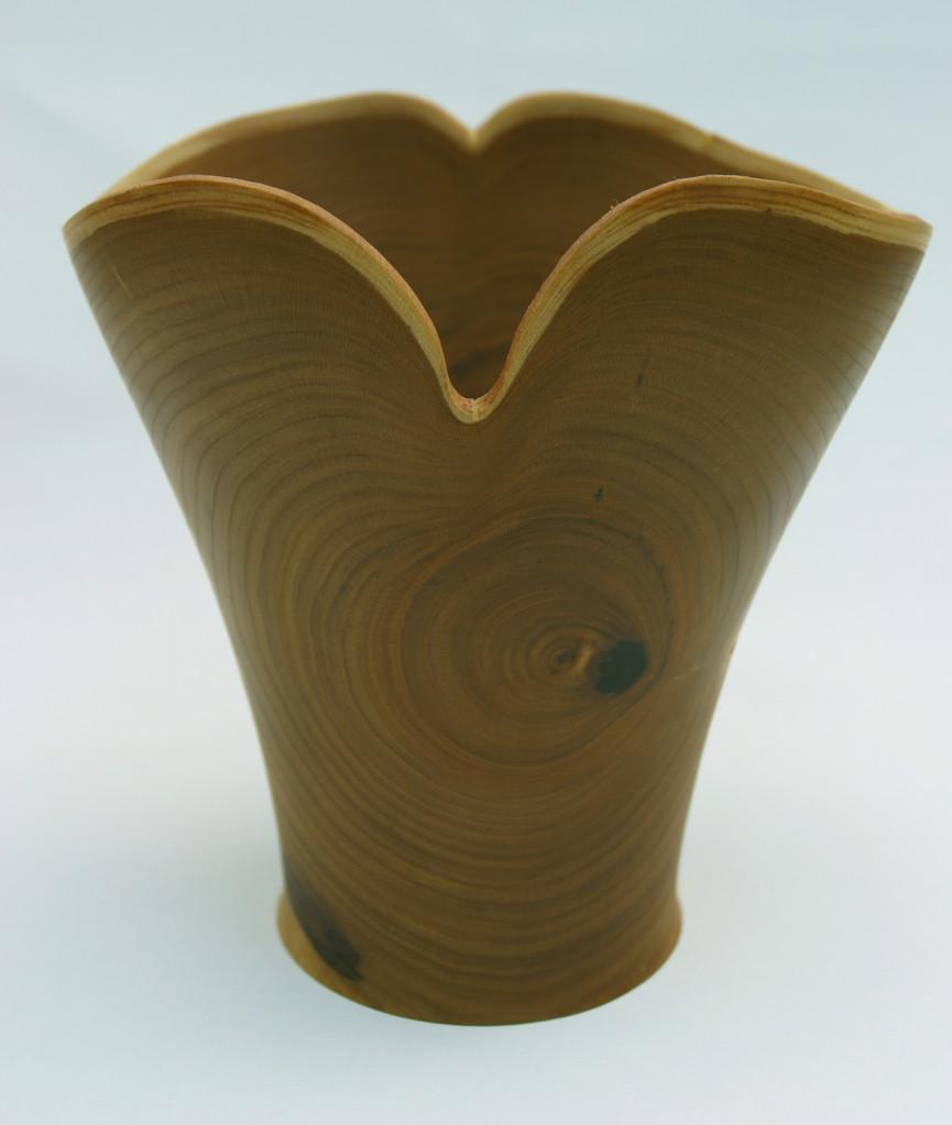 Vase aus Essigbaum mit Naturrand   Höhe = 25 cm   Ø  15/8 cm   von Reinhard Scheuern